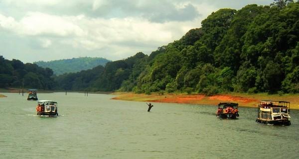 thekkady-boating-1523774515.jpg