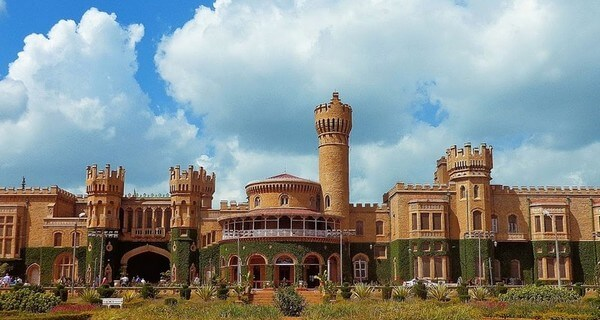 bangalore-palace-india-1518081628.jpg