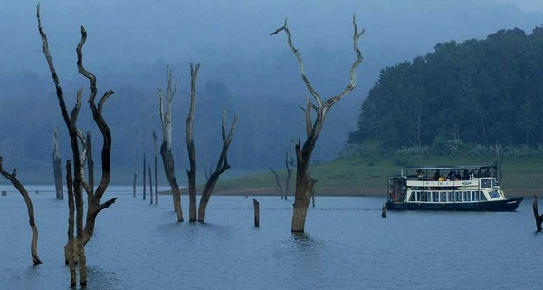 thekkady-boating-evening-1518330768.jpg