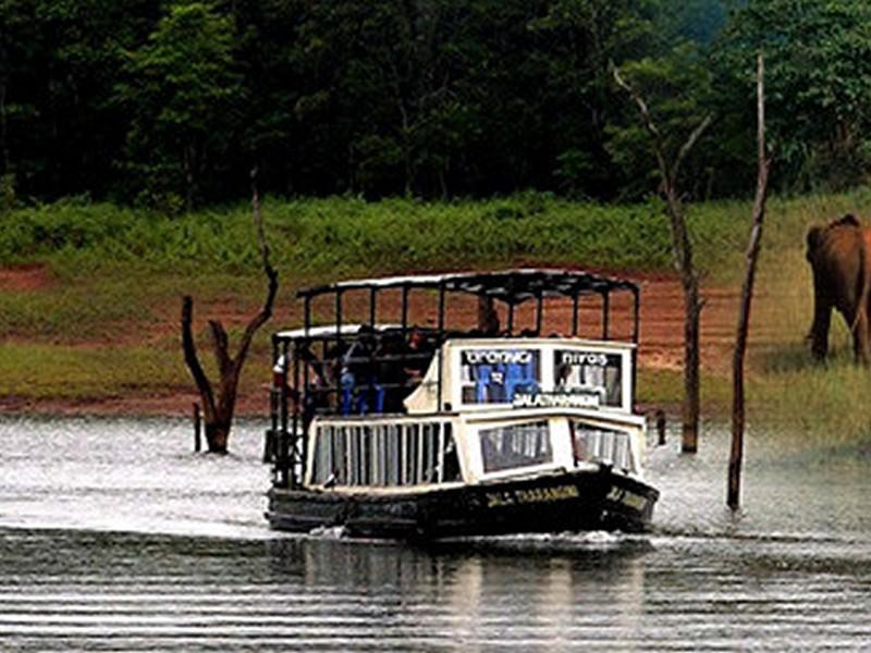 thekkady-boating-kerala-periyar-sightseeing