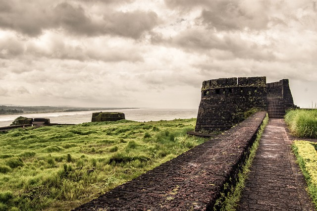 Bekal has a keyhole shape fort with the excellence of the sea surrounding it, greenery view from the top of the fort