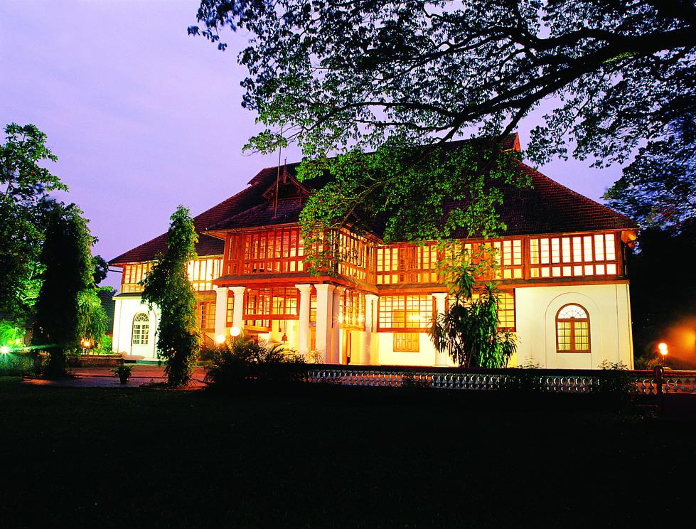 bolgatty-palace-island-hotel-heritage-resort