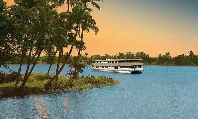 Best Luxury Houseboats in Kerala