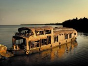 raxa-collective-luxury-houseboat-alleppey