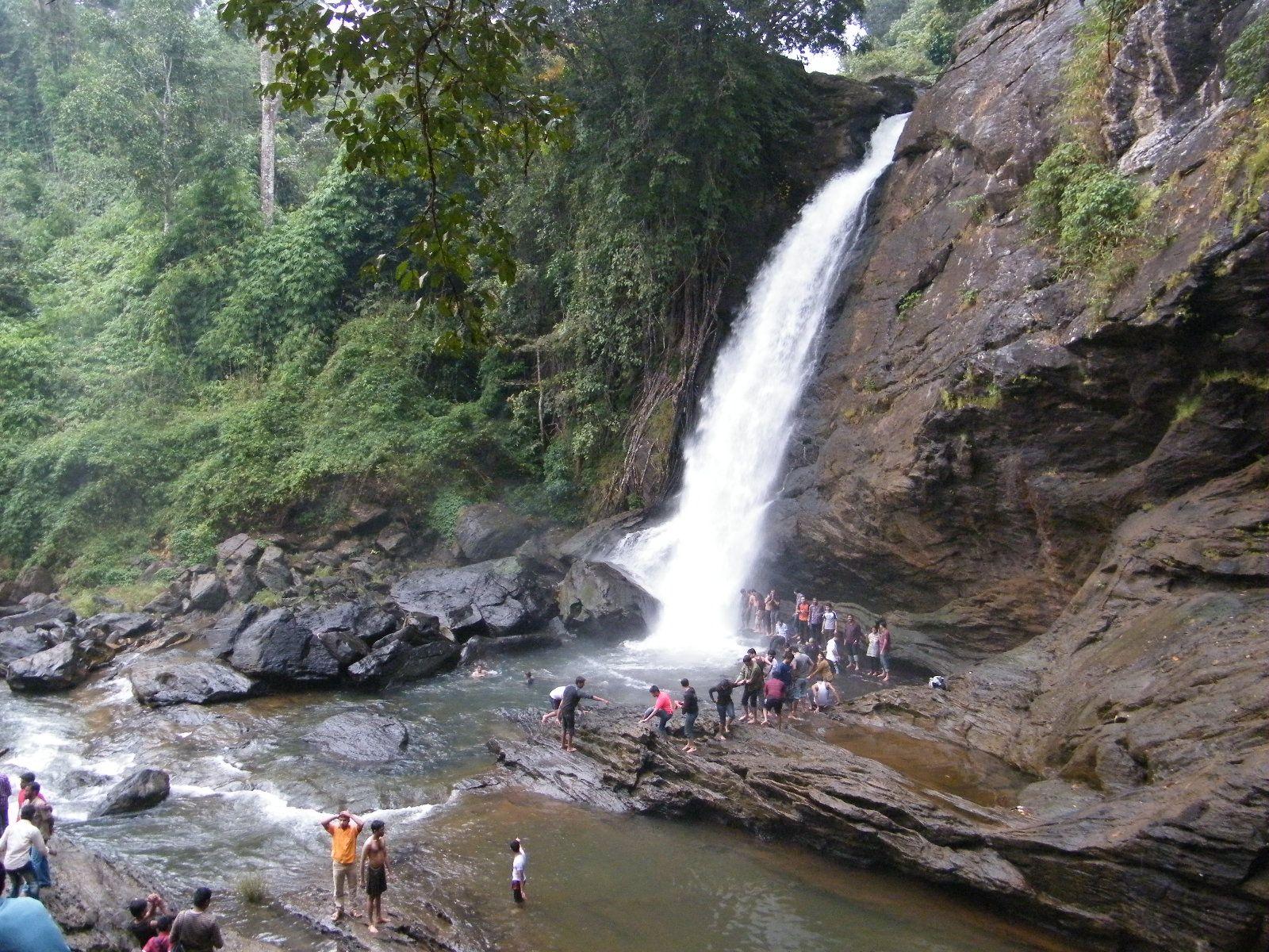 Murinzupuzha Waterfalls