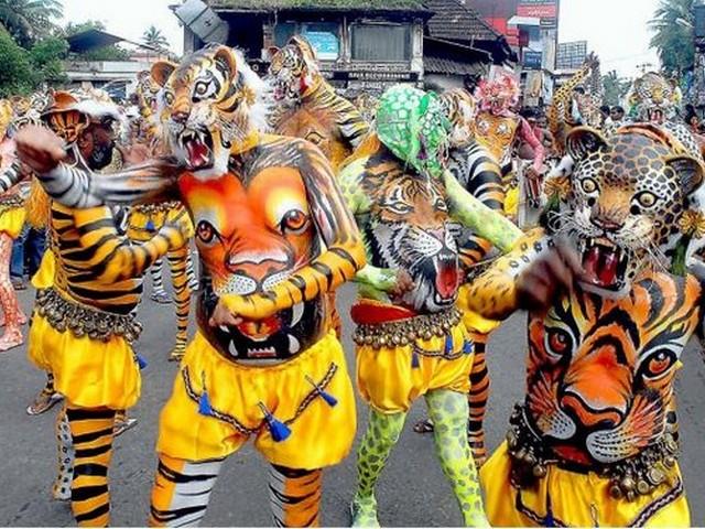 kerala-festival-pulikali-onam