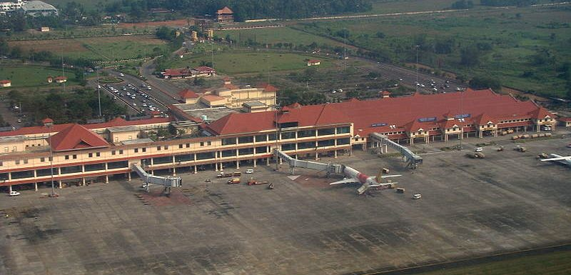 How to book Taxis  from Cochin  Airport (COK)