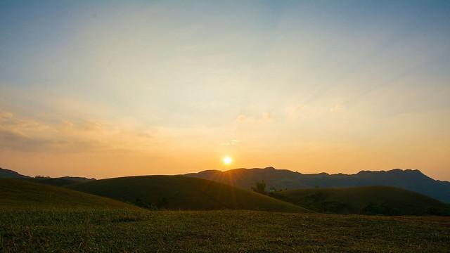 sunset-elaveezhapoonchira-vagamon