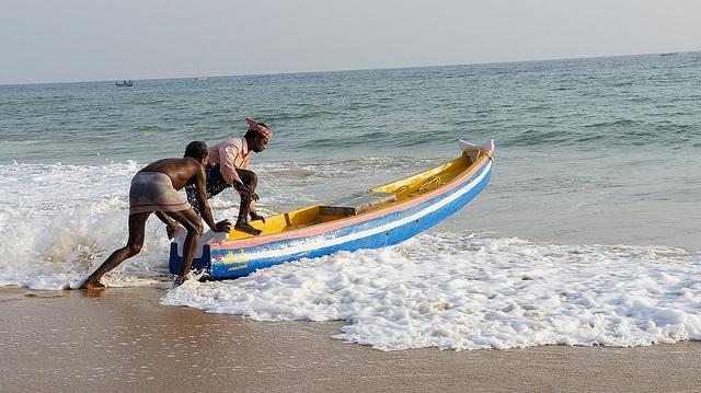 fishermen-kovalam-beach-kerala