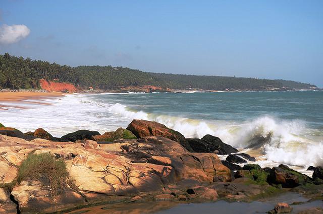 vizhinjam-beach-trivandrum-kerala