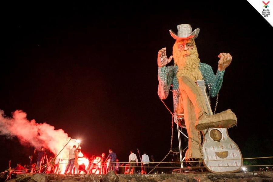 New Year Celebrations in Kochi - Burning of Gigantic Papnji (Santa) in Fort Kochi