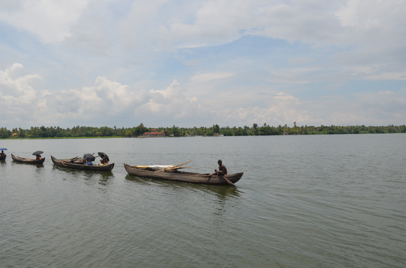 traditional-kerala-fishing-houseboat
