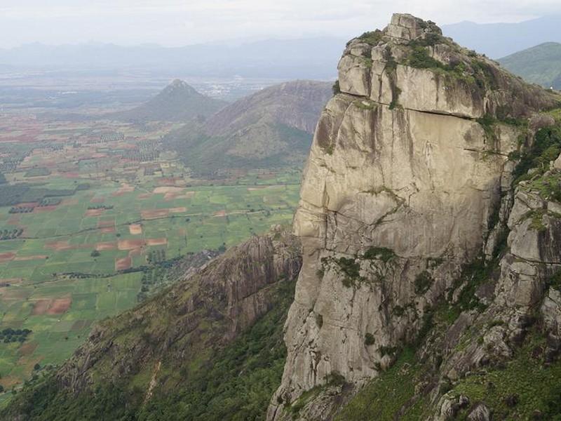 ramakkalmedu-hills-near-thekkady