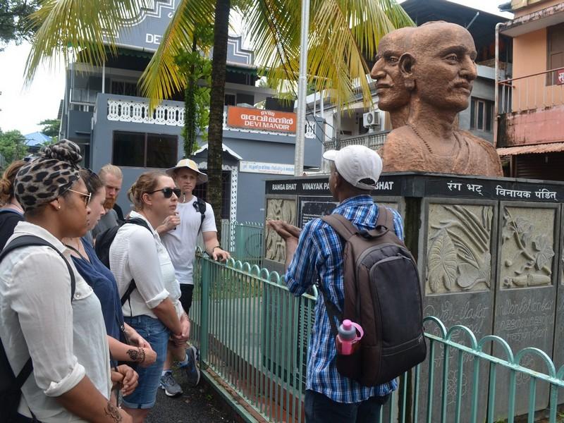 Ranga Bhat, Vinayak Pandit and Appu Bhat Statue in Kochi Sightseeing Tour