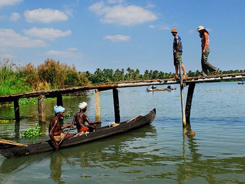 kumarakom-backwater-trip