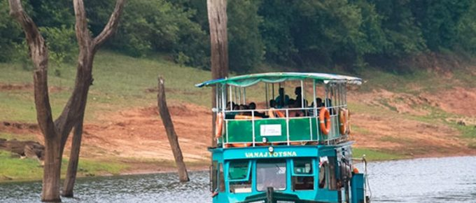 Thekkady Boating-Online Booking, Timings, Cost, Fare for Foreigners and Indians