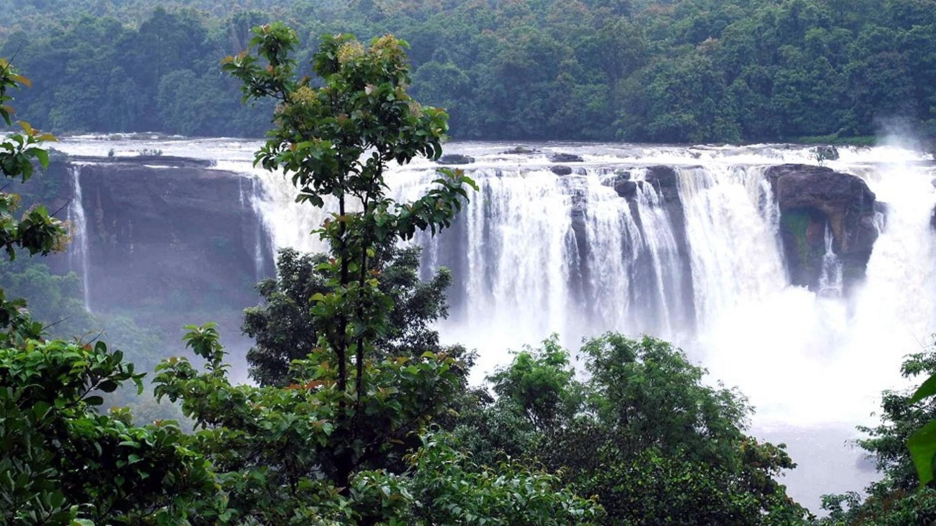 athirapally-falls-kerala