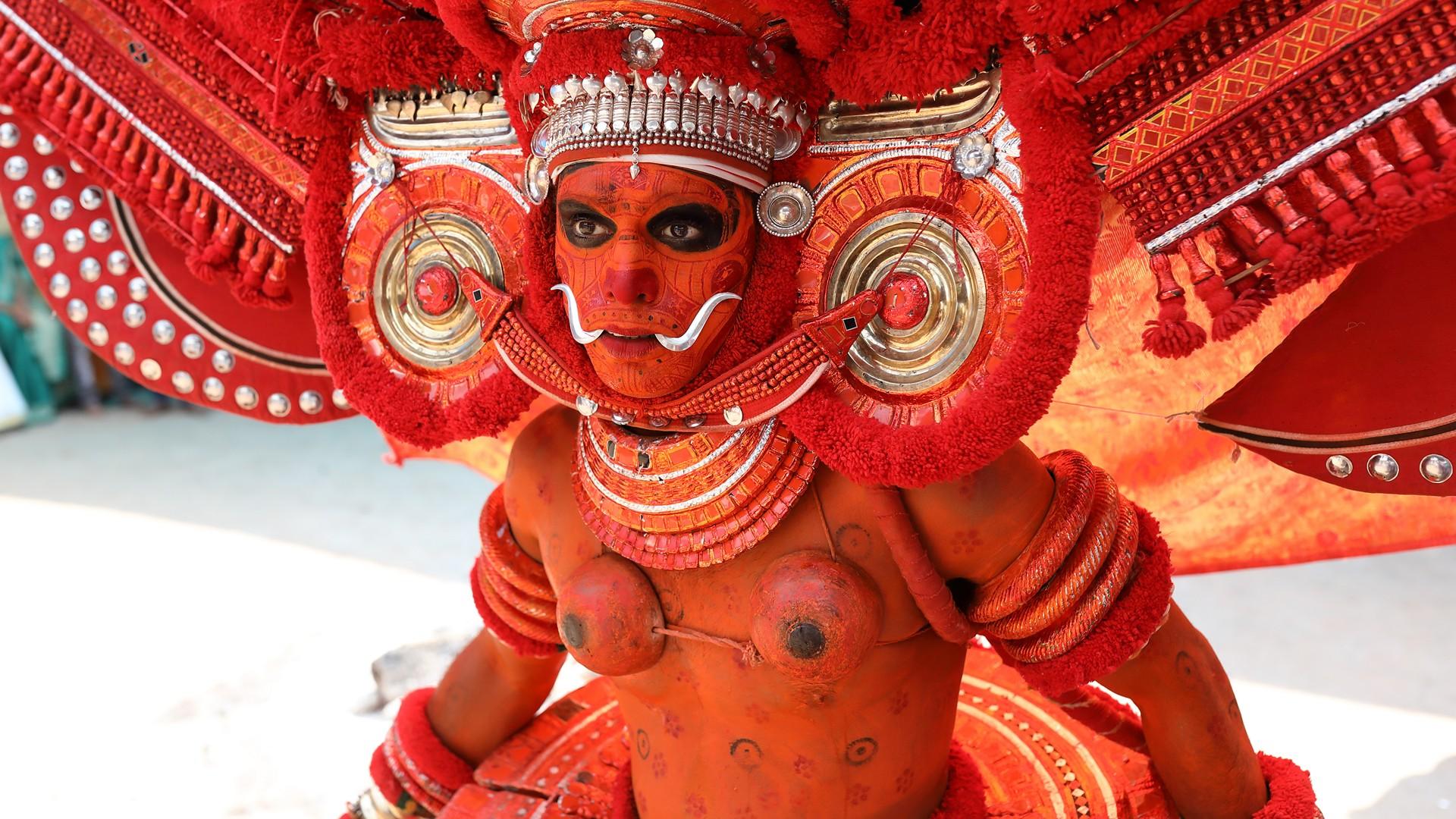 kannur-theyyam