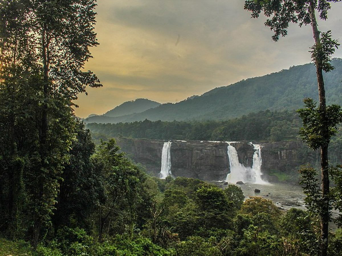 Athirappilly-waterfalls-india-thrissur