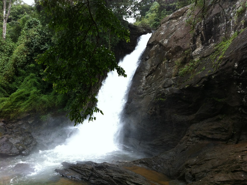 soochipara-waterfalls
