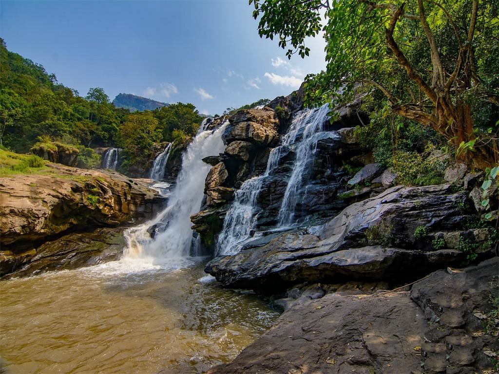 thoovanam-waterfalls-munnar