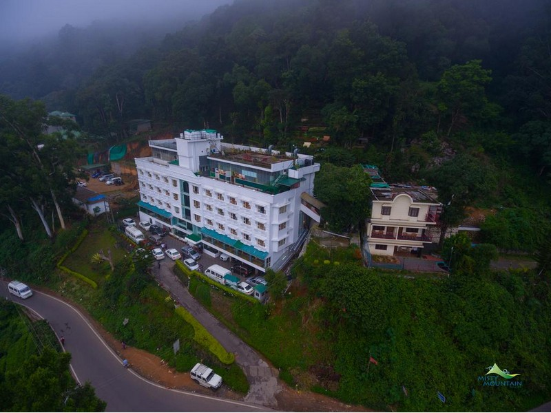 misty-mountain-resort-munnar