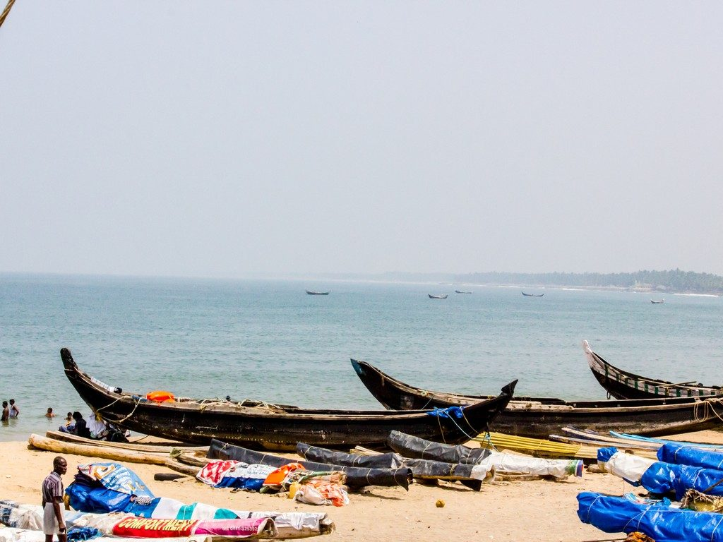 kovalam-beach-fisherman-boats