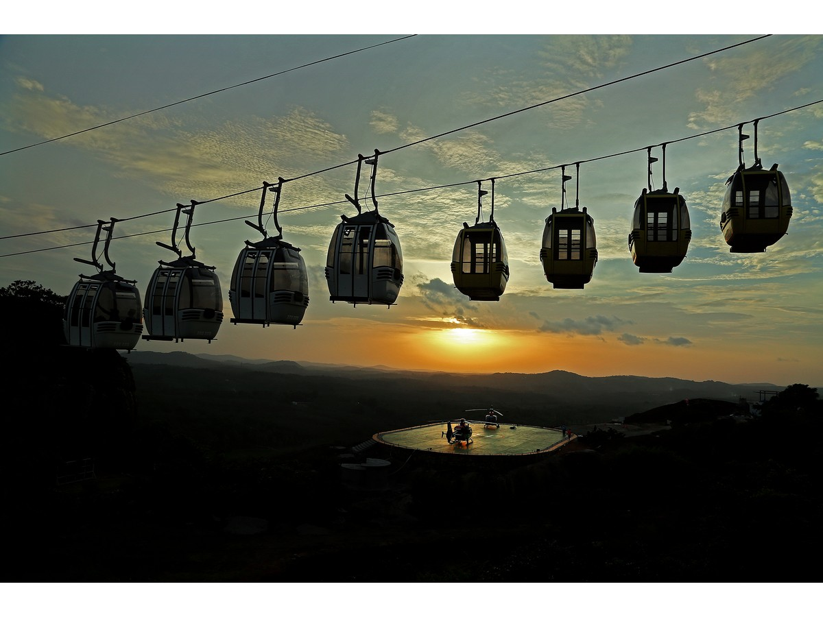 jatayu-earth-center-cable-car