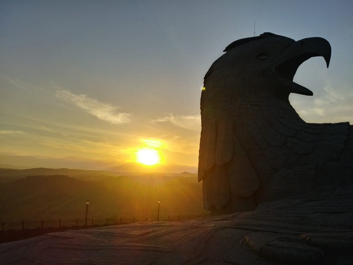 jatayu-earth-center-sunset