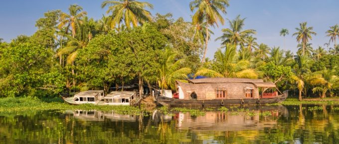 kerala-backwaters-houseboat