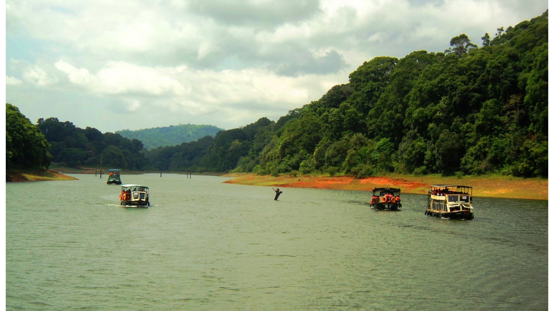 Thekkady Boating in 2021-Online Booking, Timings, Cost, Fare for Foreigners and Indians (Updated)