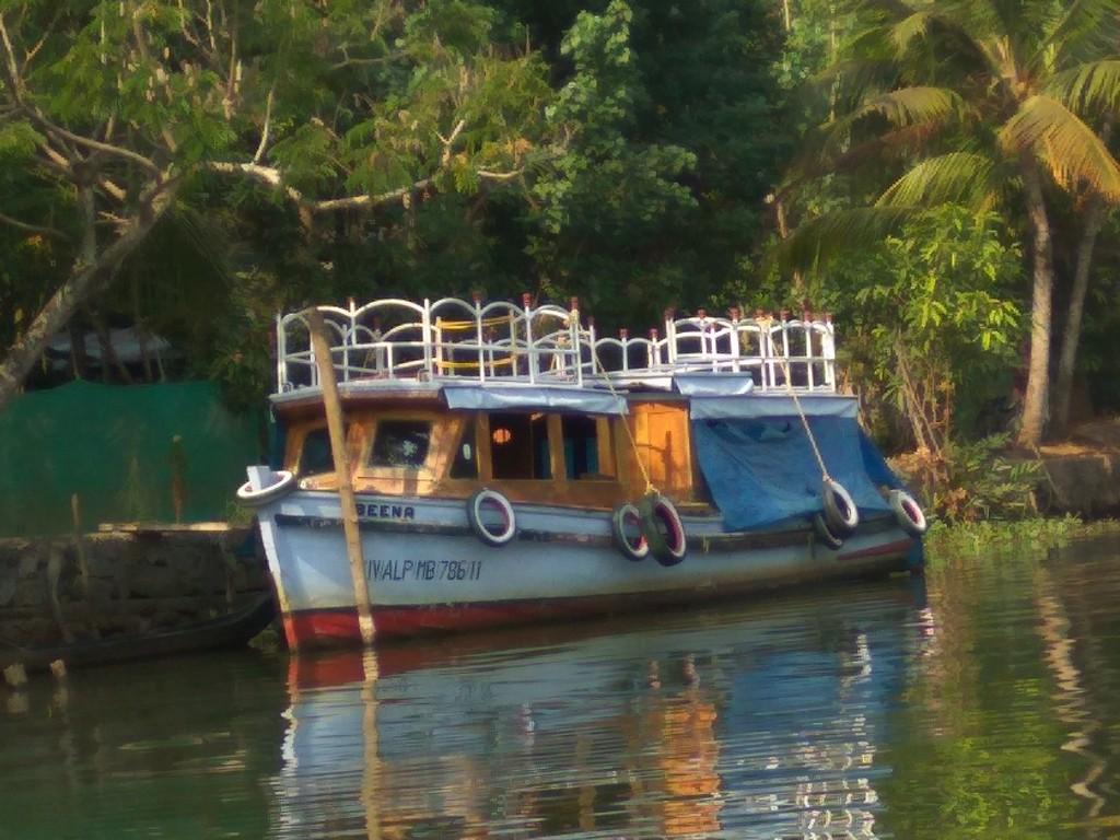 Motor Boat along the backwaters in Alleppey