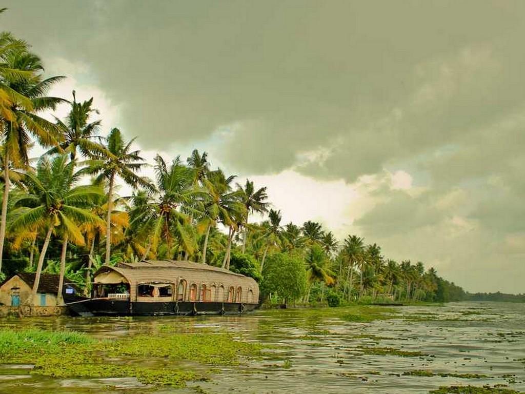 best-backwaters-in-kerala