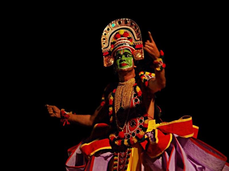 ottamthullal-dance-kerala