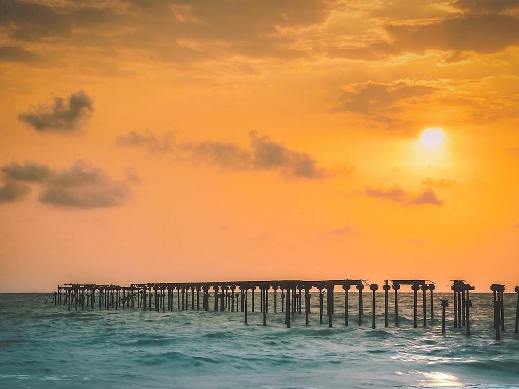 alleppey-beach-kerala-sunset